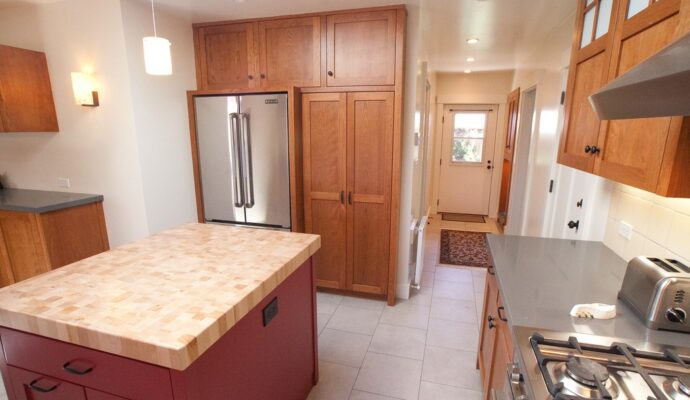 Tampa Custom Kitchen Remodeling Pros - countertops, bathrooms, renovations, custom cabinets, flooring-107-We do great kitchen & bath remodeling, home renovations, custom lighting, custom cabinet installation, cabinet refacing and refinishing, outdoor kitchens, commercial kitchen, countertops and more