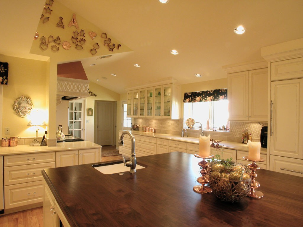 Tampa Custom Kitchen Remodeling Pros - countertops, bathrooms, renovations, custom cabinets, flooring-108-We do great kitchen & bath remodeling, home renovations, custom lighting, custom cabinet installation, cabinet refacing and refinishing, outdoor kitchens, commercial kitchen, countertops and more