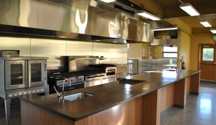 Tampa Custom Kitchen Remodeling Pros - countertops, bathrooms, renovations, custom cabinets, flooring-113-We do great kitchen & bath remodeling, home renovations, custom lighting, custom cabinet installation, cabinet refacing and refinishing, outdoor kitchens, commercial kitchen, countertops and more