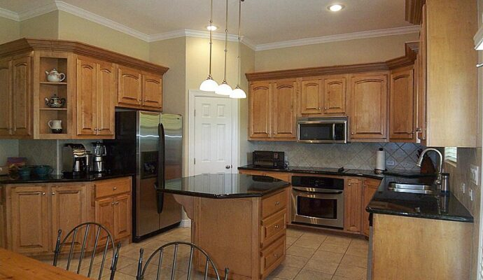 Tampa Custom Kitchen Remodeling Pros - countertops, bathrooms, renovations, custom cabinets, flooring-119-We do great kitchen & bath remodeling, home renovations, custom lighting, custom cabinet installation, cabinet refacing and refinishing, outdoor kitchens, commercial kitchen, countertops and more