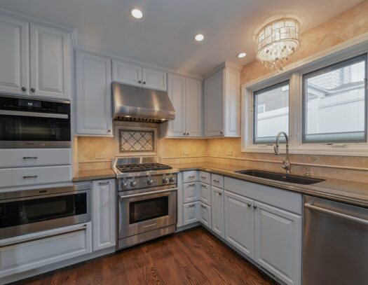 Tampa Custom Kitchen Remodeling Pros - countertops, bathrooms, renovations, custom cabinets, flooring-122-We do great kitchen & bath remodeling, home renovations, custom lighting, custom cabinet installation, cabinet refacing and refinishing, outdoor kitchens, commercial kitchen, countertops and more