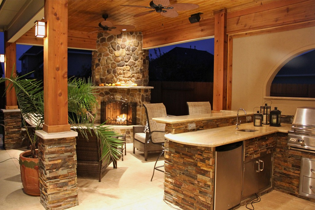 Tampa Custom Kitchen Remodeling Pros - countertops, bathrooms, renovations, custom cabinets, flooring-123-We do great kitchen & bath remodeling, home renovations, custom lighting, custom cabinet installation, cabinet refacing and refinishing, outdoor kitchens, commercial kitchen, countertops and more