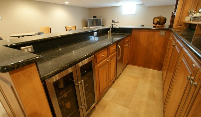 Tampa Custom Kitchen Remodeling Pros - countertops, bathrooms, renovations, custom cabinets, flooring-143-We do great kitchen & bath remodeling, home renovations, custom lighting, custom cabinet installation, cabinet refacing and refinishing, outdoor kitchens, commercial kitchen, countertops and more