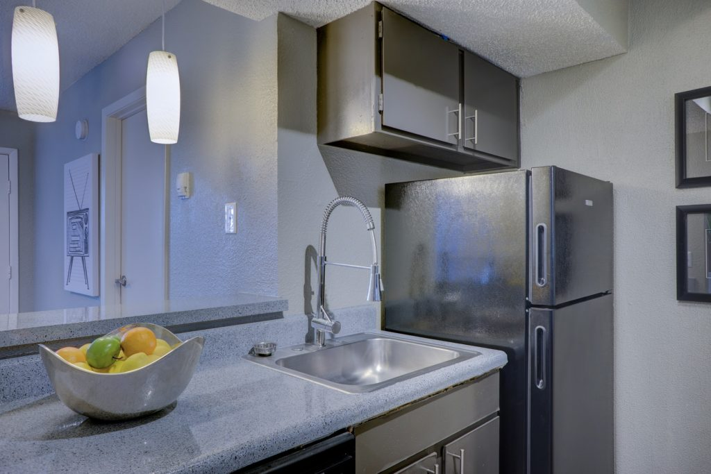 Tampa Custom Kitchen Remodeling Pros - countertops, bathrooms, renovations, custom cabinets, flooring-47-We do great kitchen & bath remodeling, home renovations, custom lighting, custom cabinet installation, cabinet refacing and refinishing, outdoor kitchens, commercial kitchen, countertops and more