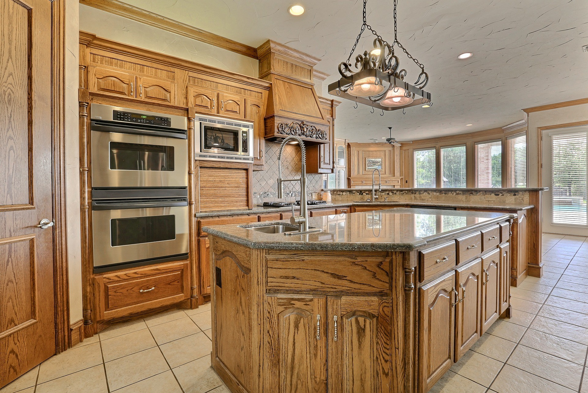 Tampa Custom Kitchen Remodeling Pros - countertops, bathrooms, renovations, custom cabinets, flooring-53-We do great kitchen & bath remodeling, home renovations, custom lighting, custom cabinet installation, cabinet refacing and refinishing, outdoor kitchens, commercial kitchen, countertops and more