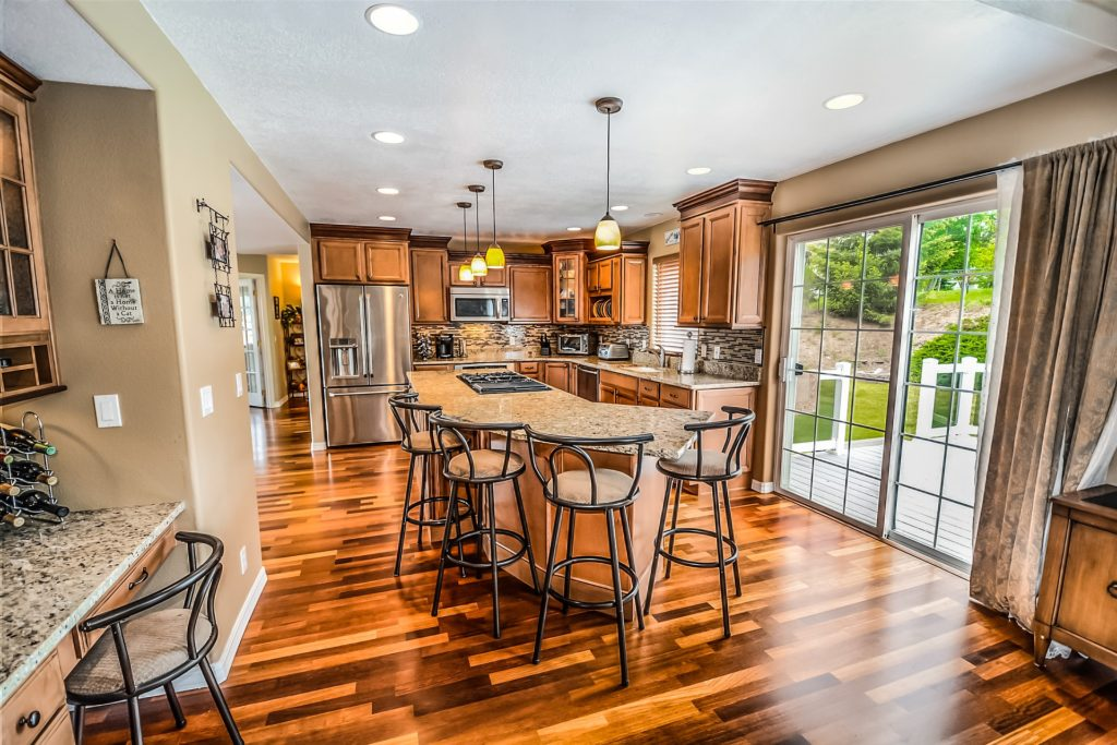 Tampa Custom Kitchen Remodeling Pros - countertops, bathrooms, renovations, custom cabinets, flooring-61-We do great kitchen & bath remodeling, home renovations, custom lighting, custom cabinet installation, cabinet refacing and refinishing, outdoor kitchens, commercial kitchen, countertops and more