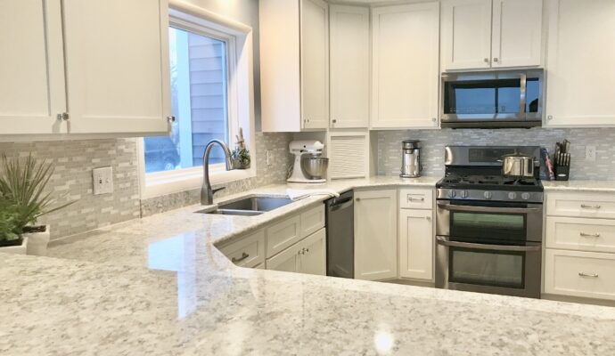 Tampa Custom Kitchen Remodeling Pros - countertops, bathrooms, renovations, custom cabinets, flooring-91-We do great kitchen & bath remodeling, home renovations, custom lighting, custom cabinet installation, cabinet refacing and refinishing, outdoor kitchens, commercial kitchen, countertops and more